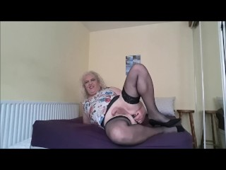 Michelle a cougar tgirl Dildoing