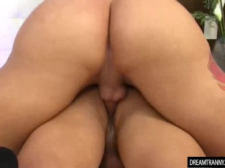 Horny ladyboy Nicolly Pantoja and a stud Fuck Each Other in the ass