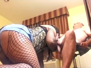 giant butt Hot black tranny swallowing White Daddy meat
