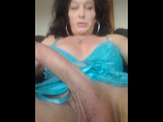 older ts playing with his /her giant dick