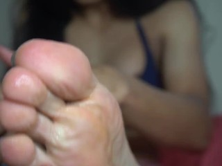 hot ladyboy enjoy her feet